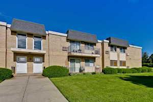 1440 N Evergreen Ave #2C Arlington Heights, IL 60004