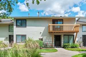 40 Constitution Ct Vernon Hills, IL 60061