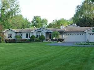 215 Midway Dr Willowbrook, IL 60527