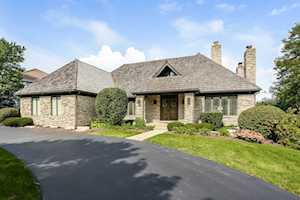 518 Forest Mews Dr Oak Brook, IL 60523