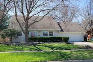 826 Northampton Dr Crystal Lake, IL 60014