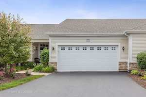 2718 Chevy Chase Ln Naperville, IL 60564