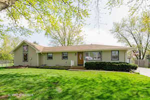 32W607 Albert Dr East Dundee, IL 60118
