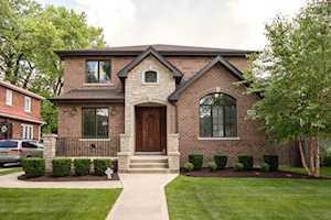 1629 S Prospect Ave Park Ridge, IL 60068