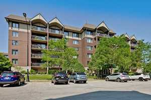 10 S Wille St #302 Mount Prospect, IL 60056