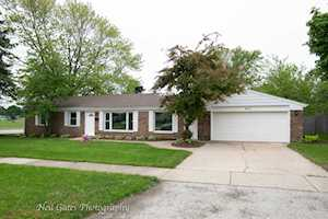 400 N Ridgemoor Ave Mundelein, IL 60060