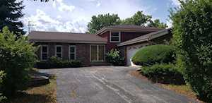 1904 N Carlyle Place Arlington Heights, IL 60004