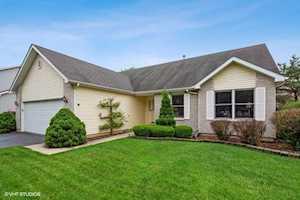 496 Spring Ridge Dr Crystal Lake, IL 60012