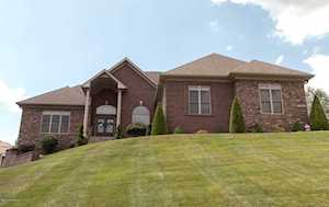 7919 Wooded Ridge Dr Louisville, KY 40214