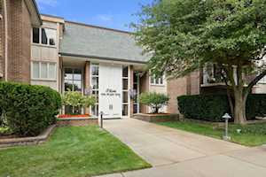 3 Oak Brook Club Dr #E307 Oak Brook, IL 60523