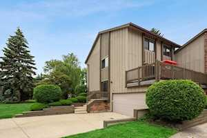 44 Portwine Rd Willowbrook, IL 60527