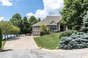 8211 Lake Springs Court Indianapolis, IN 46236