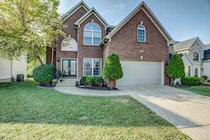 6033 Sweetbay Dr Crestwood, KY 40014