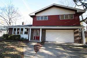 1761 Shawnee Trl Northbrook, IL 60062