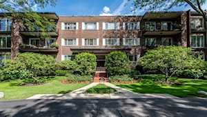 90 Franklin Place #203 Lake Forest, IL 60045