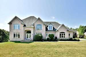 3260 Oak Knoll Rd Carpentersville, IL 60110