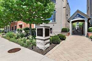 460 Pennsylvania Ave #2 Glen Ellyn, IL 60137