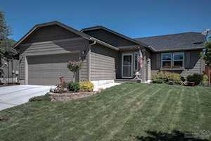 2816 Spring Water Place Bend, OR 97701