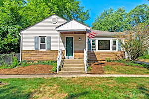 103 Indian Trl Lake In The Hills, IL 60156