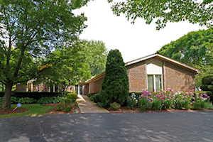 2203 Shiloh Dr Long Grove, IL 60047