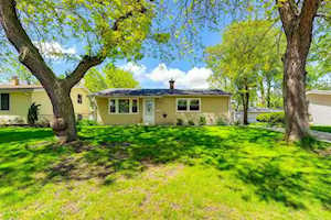 216 Granada Rd Carpentersville, IL 60110