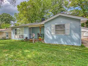 82 Wren Rd Carpentersville, IL 60110