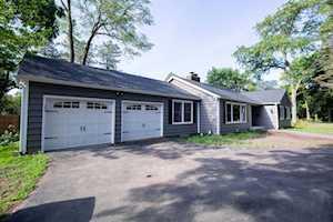 653 Elm Rd Barrington, IL 60010