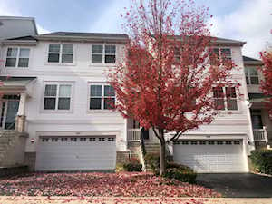 310 Hickory Ln #310 South Elgin, IL 60177