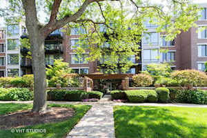 1633 2nd St #303 Highland Park, IL 60035