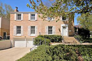 415 Hampton Terrace Libertyville, IL 60048