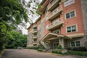 1409 Mockingbird Terrace Dr #101 Louisville, KY 40207