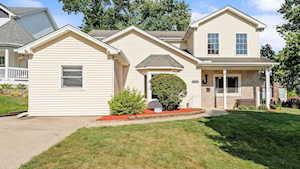 5425 Benton Ave Downers Grove, IL 60515