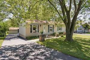 5 Clark Ave Lake In The Hills, IL 60156
