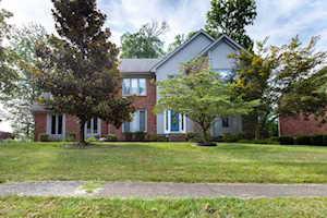 803 Locust Pointe Pl Louisville, KY 40245