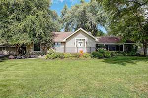540 Fairhill Rd Libertyville, IL 60048