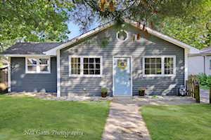 26301 N Oak Ave Mundelein, IL 60060