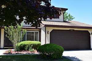 34013 N White Oak Ln Gurnee, IL 60031