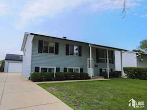 397 Thelma Ct Wheeling, IL 60090