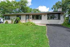 18346 W Woodland Terrace Gurnee, IL 60031