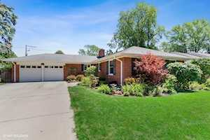 825 S Highland Ave Arlington Heights, IL 60005