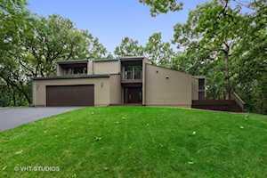 3 Wood Rock Rd Barrington Hills, IL 60010