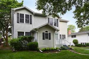 922 S Dunton Ave Arlington Heights, IL 60005