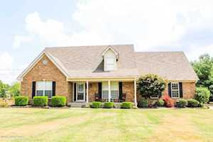 374 Falcon Crest Dr Mt Washington, KY 40047