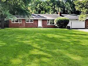 4225 Kennicott Ln Glenview, IL 60025