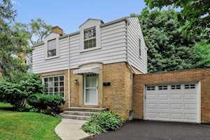 604 Ardmore Terrace Libertyville, IL 60048