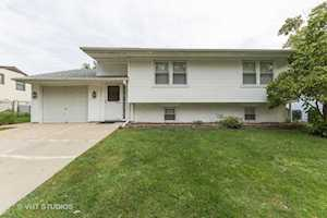 1096 Beechwood Rd Buffalo Grove, IL 60089