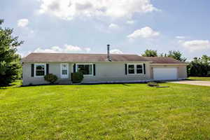 1136 Dove Lane Milford, IN 46542