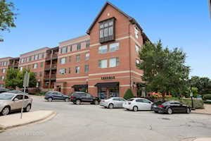 935 Burlington Ave #206 Downers Grove, IL 60515