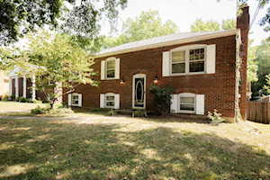 9107 Woodchat Way Louisville, KY 40272
