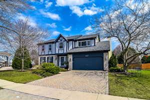 377 Clarewood Circle Grayslake, IL 60030